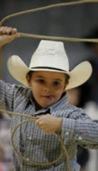 franklin-rodeo-party-roping-kid